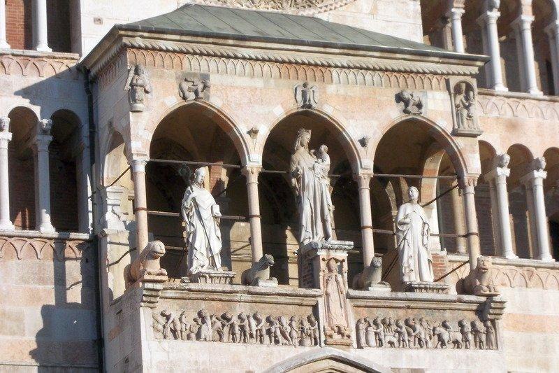 19/11/2017 - Cremona, città, sfilata storica e festa del torrone